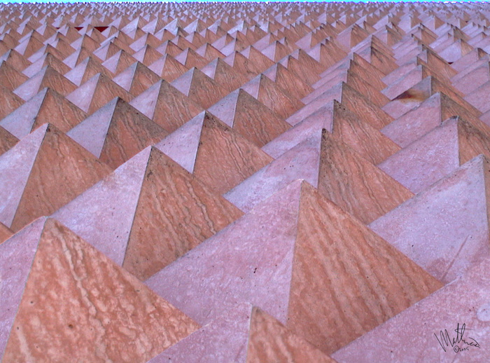 Pyramids revisited � Webalistic Photo