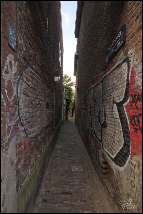 Alley one � Webalistic Photo
