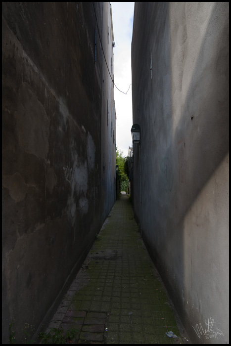 Alley two � Webalistic Photo